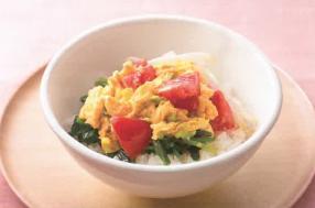卵トマト丼